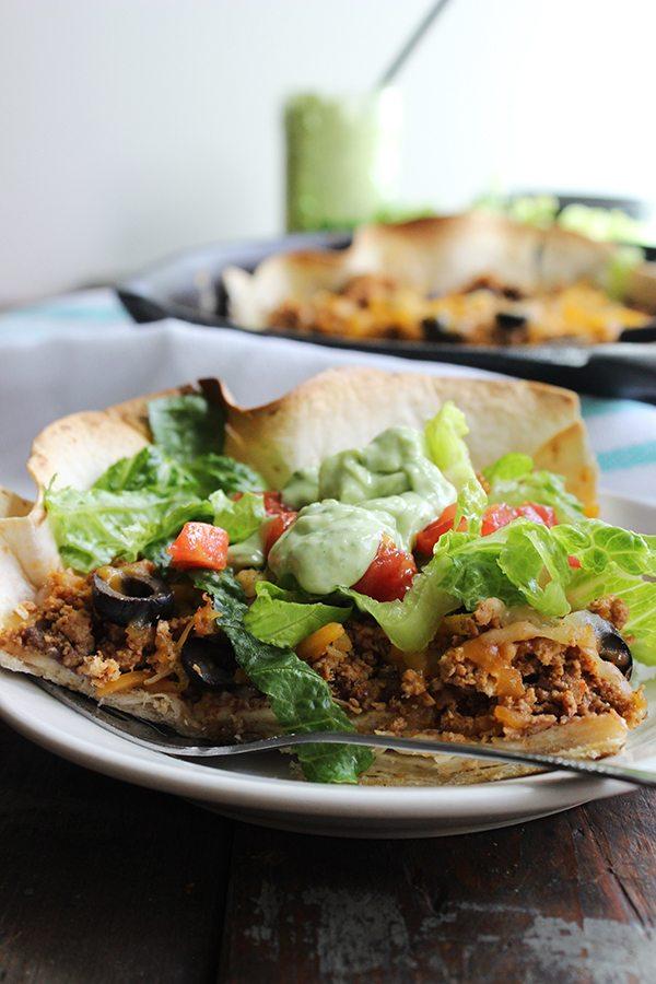 Skinny Taco Pizza | simplegreenmoms.com