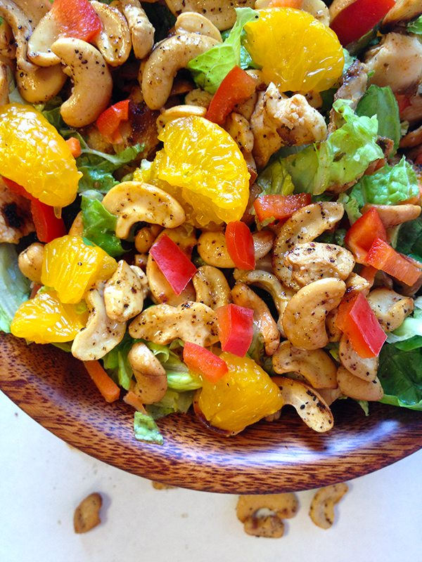 Salad with chicken, oranges, red peppers and cashews