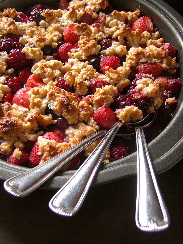 Super Simple Paleo Berry Crisp 3