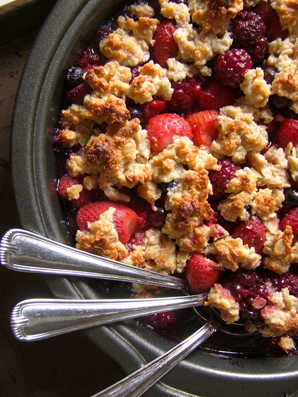 Super Simple Paleo Berry Crisp 4