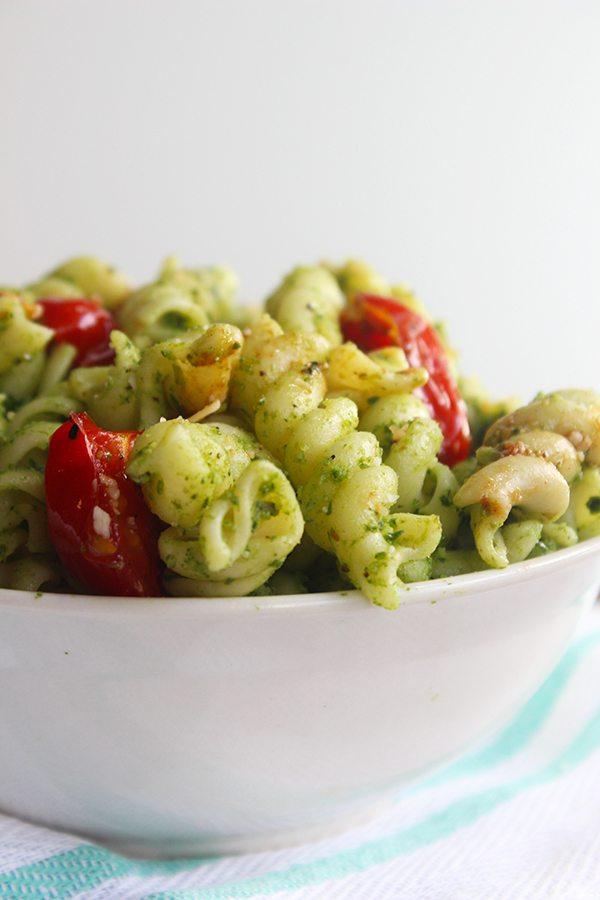 Spinach Pesto Pasta |simplegreenmoms.com