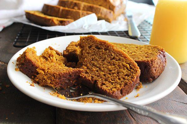 Simple Pumpkin Pie Bread - Yummy slice!
