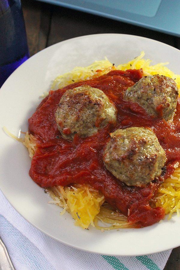 Skinny Spaghetti + Meatballs | simplegreenmoms.com