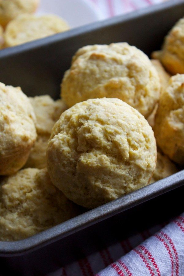 Simple Cornbread Muffins |simplegreenmoms.com