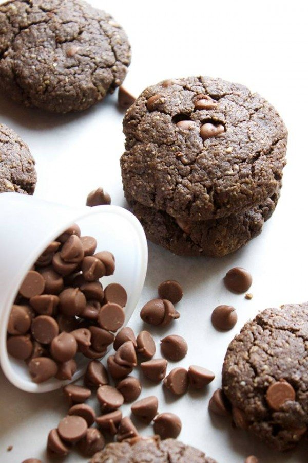 Healthy Double Chocolate Cookies | simplegreenmoms.com