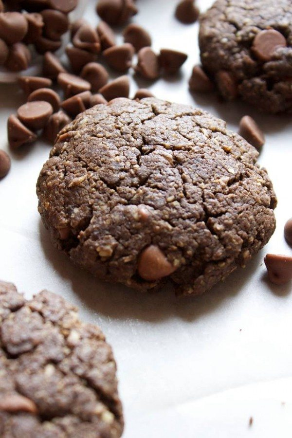 Healthy Double Chocolate Cookies   simplegreenmoms.com