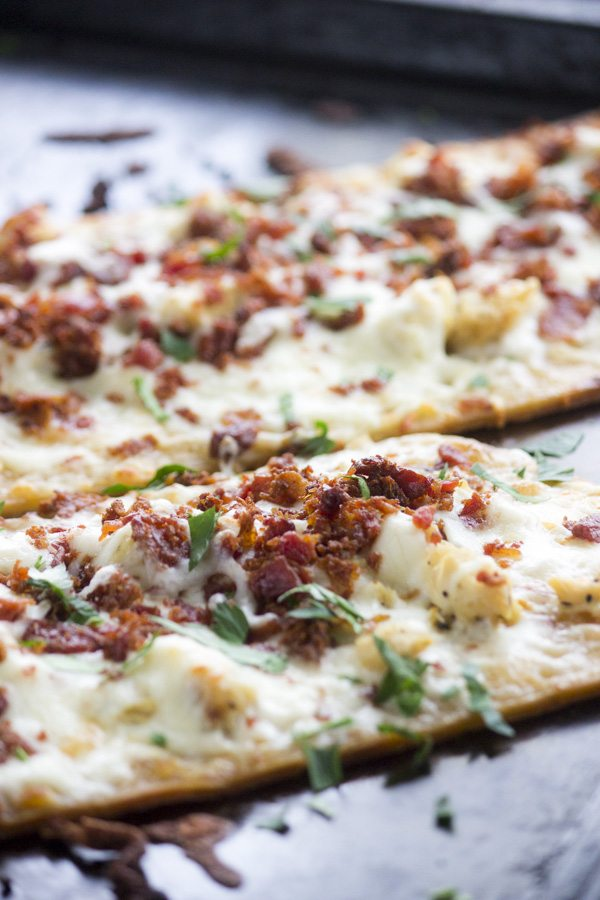 Chicken Bacon Ranch Flatbread Pizza | Simple Green Moms