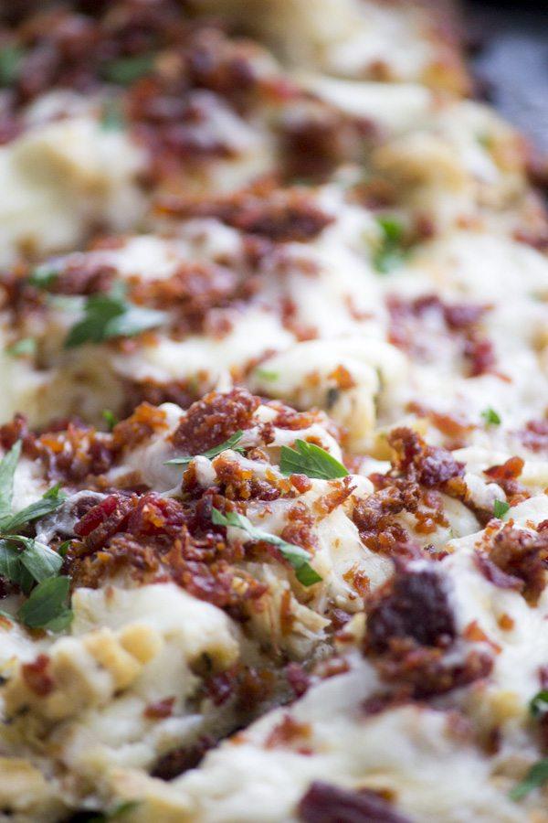Chicken Bacon Ranch Flatbread Pizza | Simple Green Moms