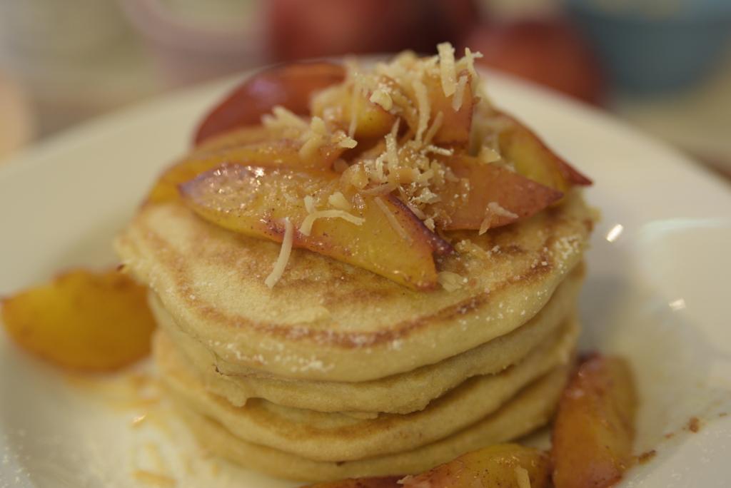 cocnut peach seltzer pancakes simplegreenmoms.com