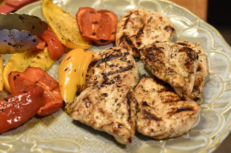 greek chicken pasta salad by simplegreenmoms.com