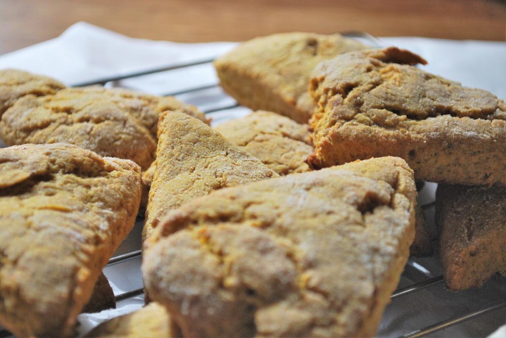 pumpkin scones whole earth sweetener by simplegreenmoms.com
