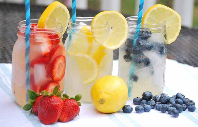 Spiked Vodka Lemonade Cocktail