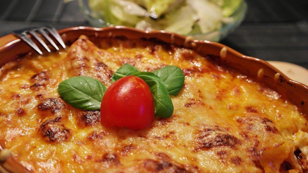 baked lasagna inside extra deep pan