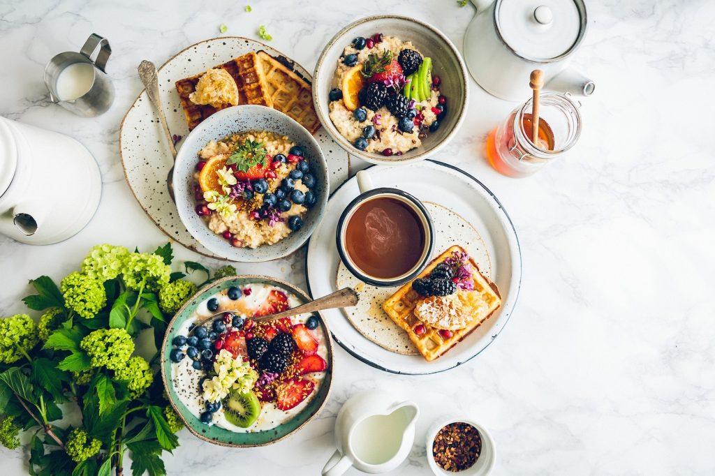 Waffles with manuka honey and porridge
