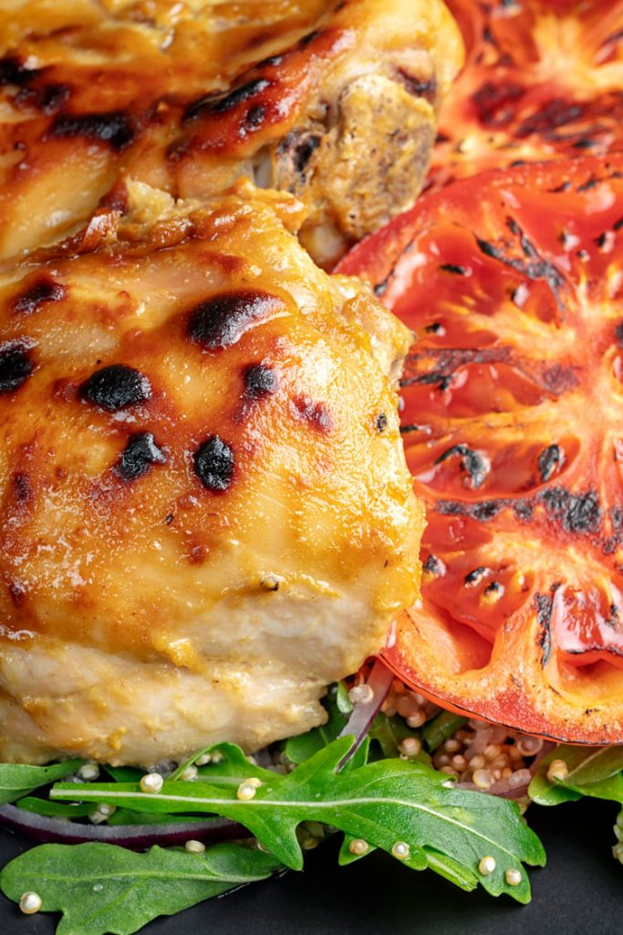 chicken thighs with grilled tomoato