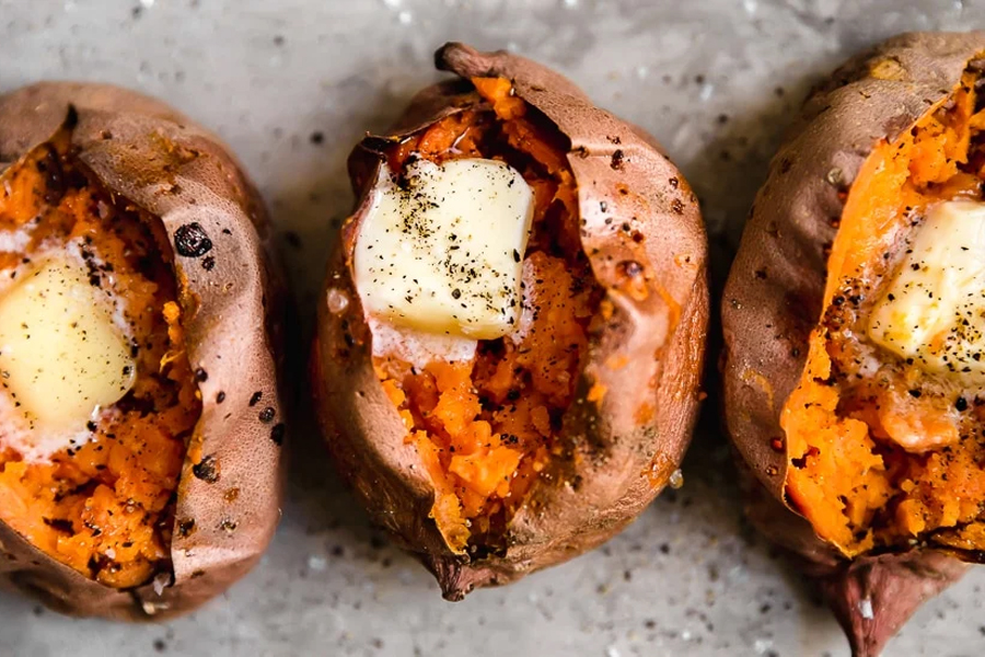 Baked sweet potatoes with butter