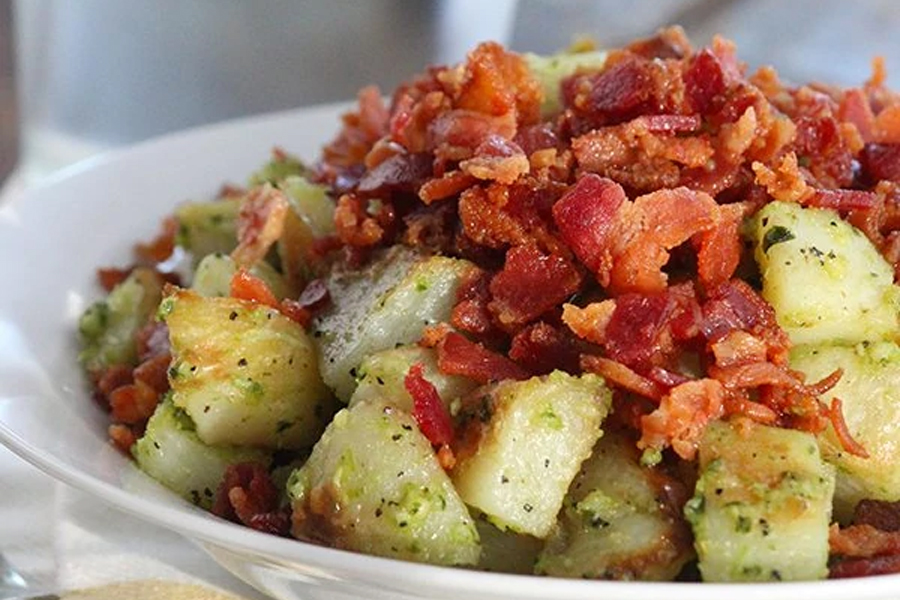 Roasted potatoes with bacon bits