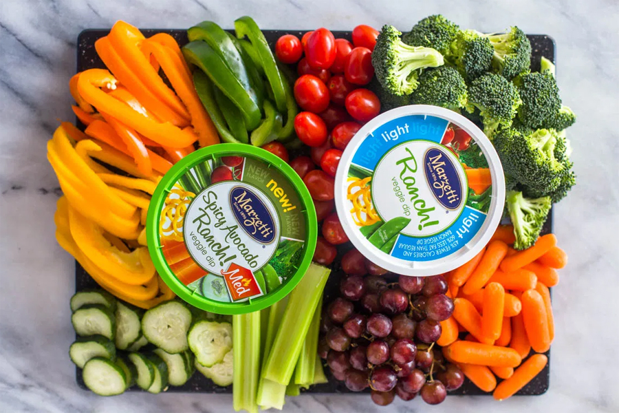vegetable platter with ranch dip
